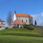 Cerkev sv. Jurija v Podkumu.